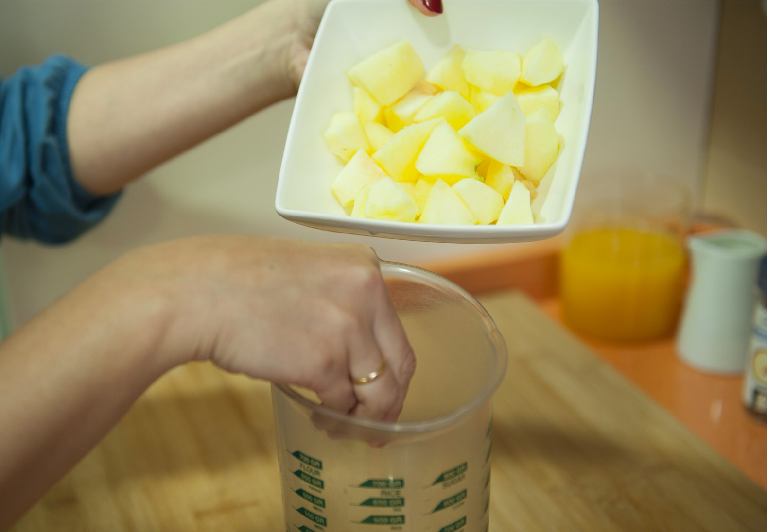 Carmencita express: Smoothie saludable especiado de manzana y naranja