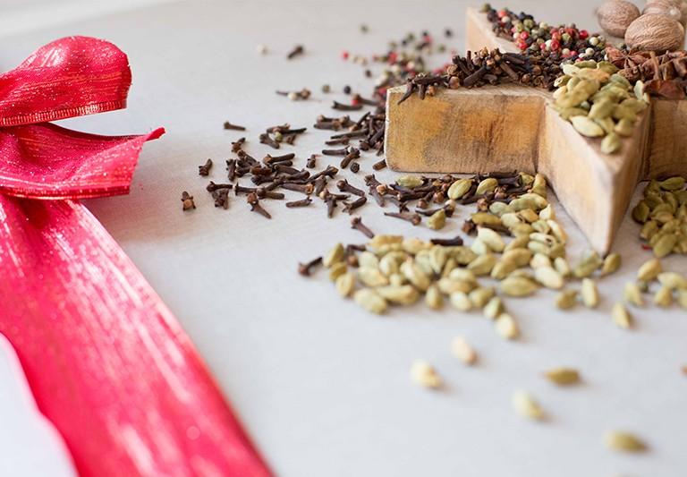 Estas fiestas añade aromas navideños a tus platos con Carmencita.
